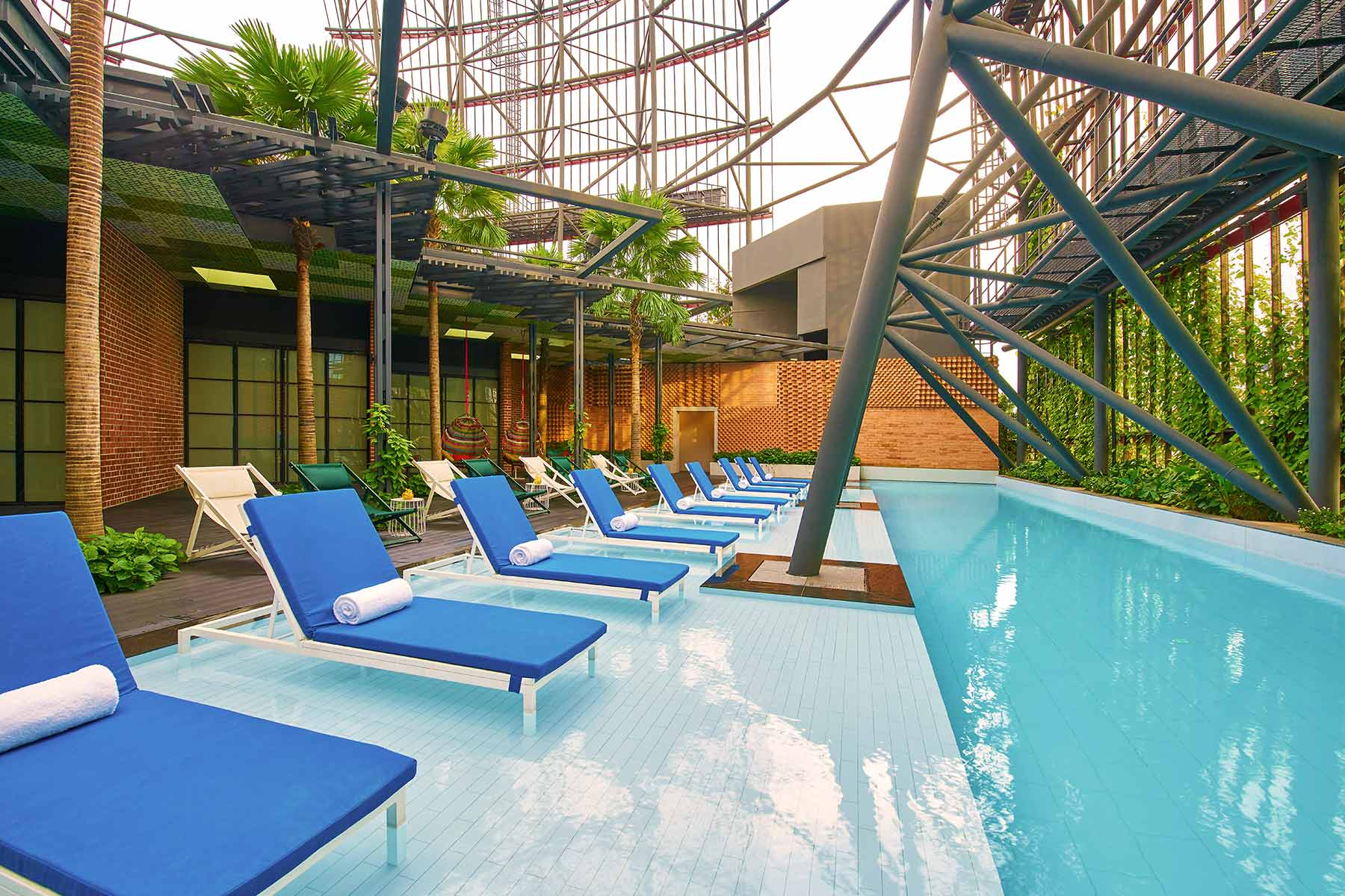 Oasia Hotel Downtown Singapore Preview image Rooftop Pool
